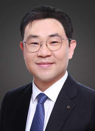 Roy S. Kim